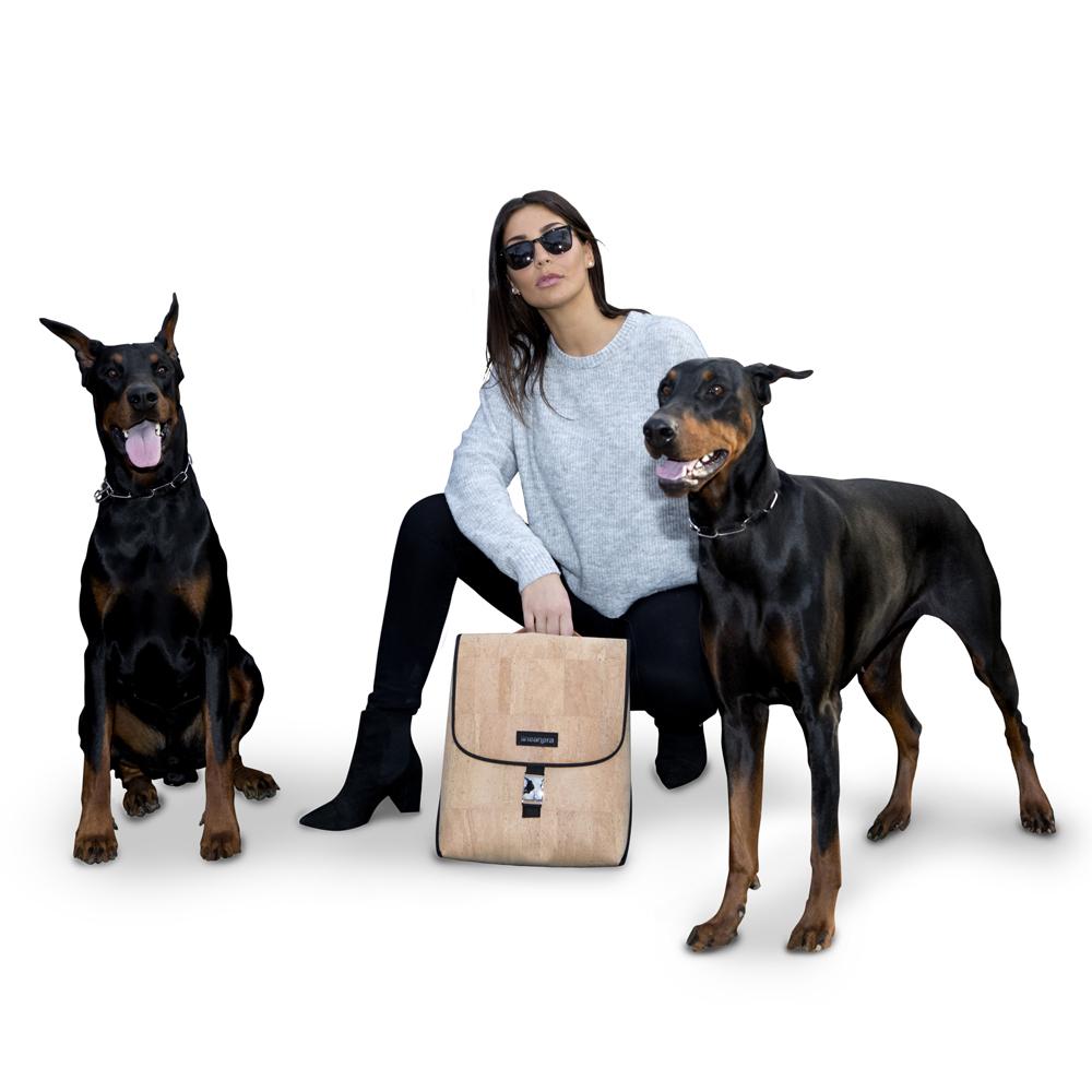 Lineanera - modella zaino cani